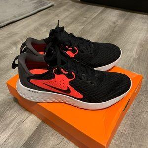 Nike legend kids sneakers
